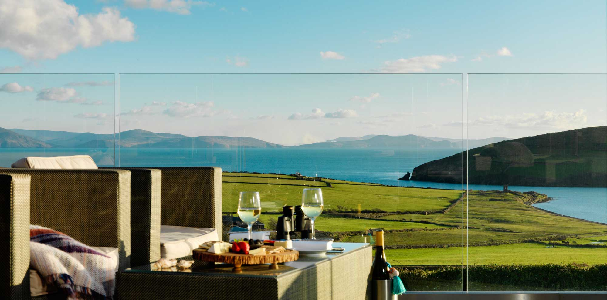 Pax House - spectacular views of Dingle Bay